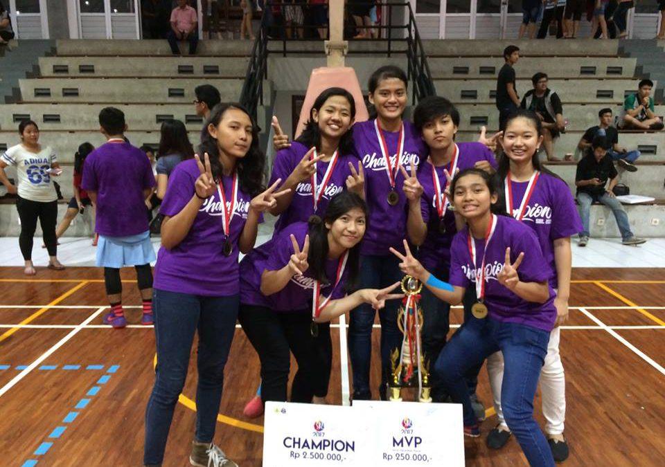 Juara 1 dan MVP dalam Soegijapranata Basketball League 2017