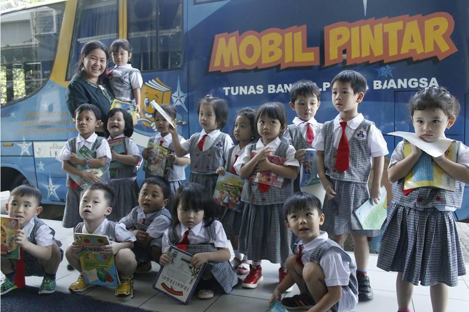 Stimulus bagi Siswa-Siswi untuk Mengenal dan Mencintai Buku