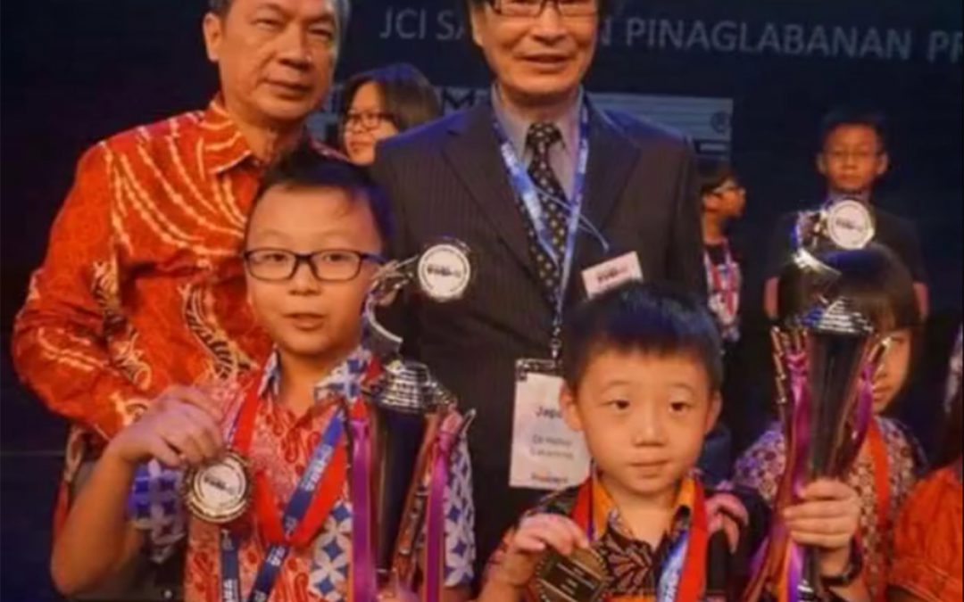 Gold Medal dalam 14th World Mathematics Competition