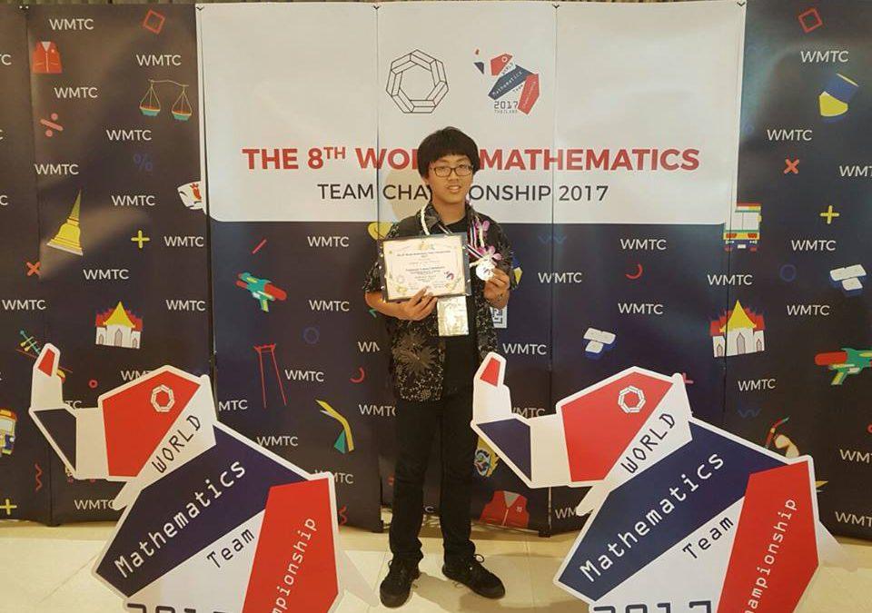 Gold Medal dalam The 8th World Mathematics Team Championship 2017 di Thailand