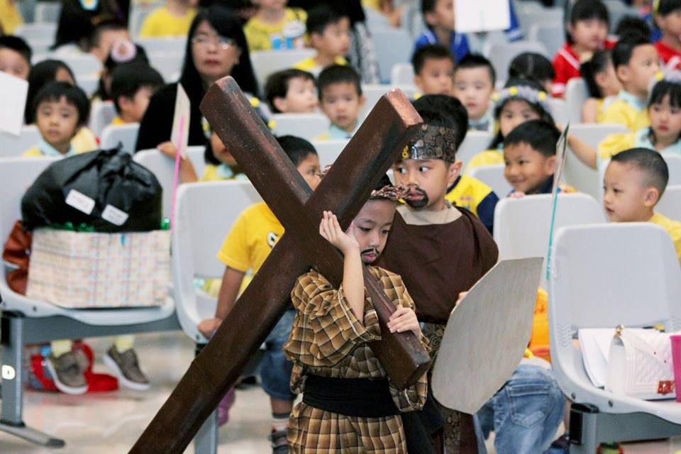 Perayaan Paskah Sekolah Kristen Tritunggal