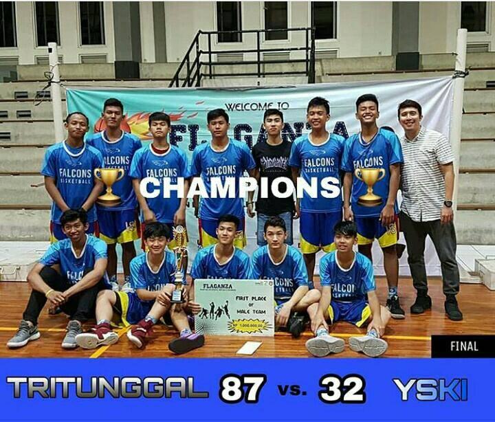 Champions dalam ajang FLAGANZA 2018 di Unika Semarang